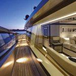 Холодное гнутое и многослойное стекло для использования на больших морских яхтах