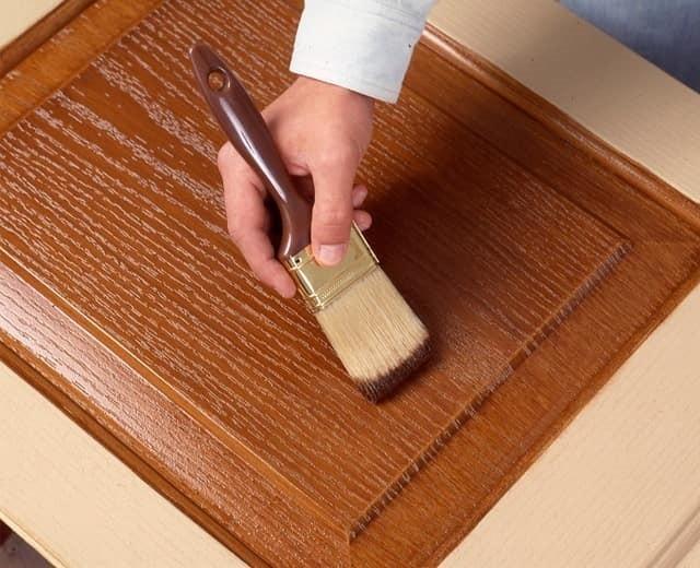 Лакировка придаст поверхности матовый или глянцевый блеск.