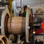Процесс изготовления настоящей дубовой бочки для коньяка