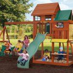 Как построить детскую площадку на даче или загородном доме?