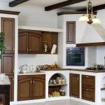 Встроенные кухни со встроенными устройствами заказа — дизайнерские идеи