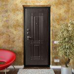 Входные металлические двери: выбираем надежную конструкцию для защиты дома и квартиры